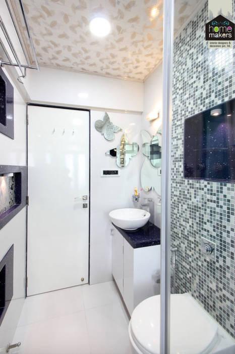 Daughter's Washroom: modern Bathroom by home makers interior designers & decorators pvt. ltd.