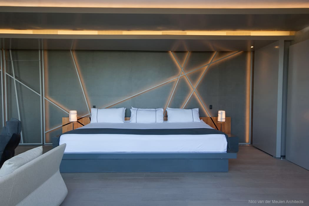 Concrete House :  Bedroom by Nico Van Der Meulen Architects
