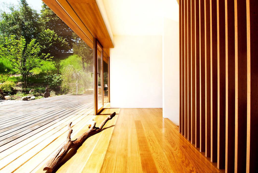 WSM ARCHITEKTEN Country style balcony, porch & terrace