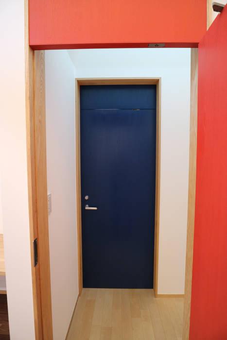 アトリエ・アースワーク Scandinavian style windows & doors