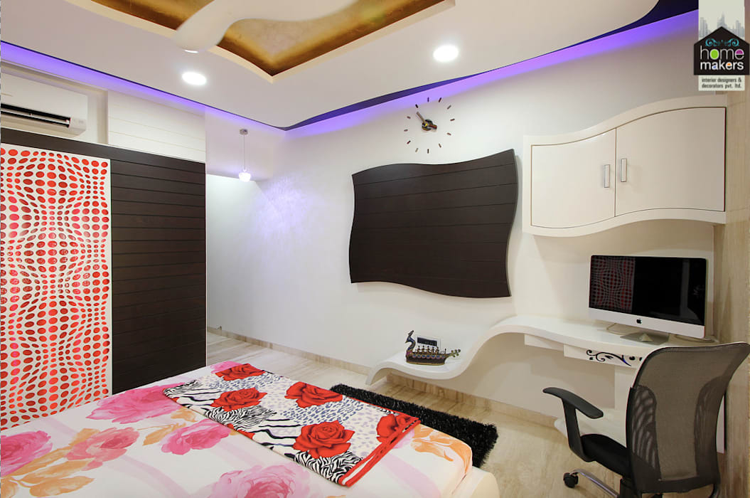 Master Bedroom 2:  Bedroom by home makers interior designers & decorators pvt. ltd.