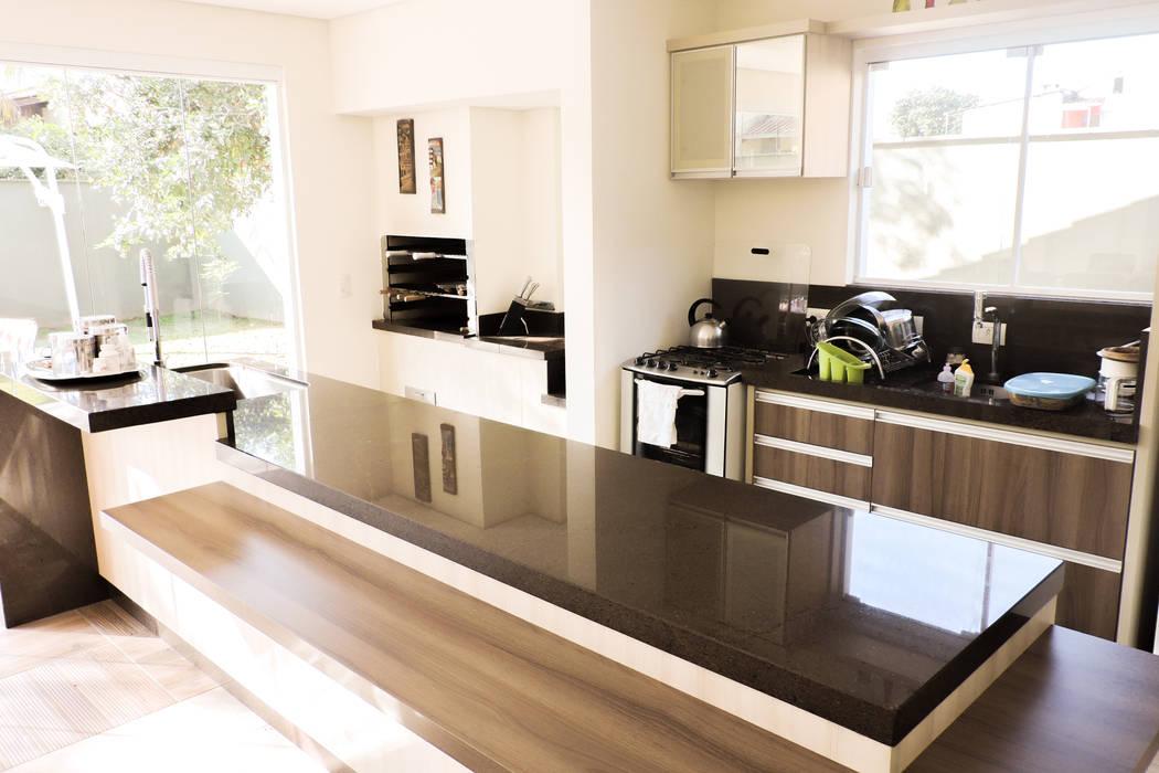 現代廚房設計點子、靈感&圖片 根據 Cecyn Arquitetura + Design 現代風 水泥