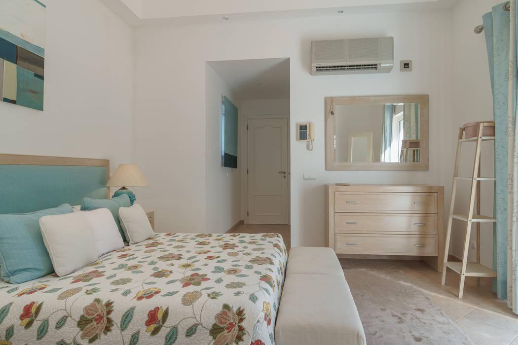 Dormitorios de estilo clásico de Zenaida Lima Fotografia Clásico