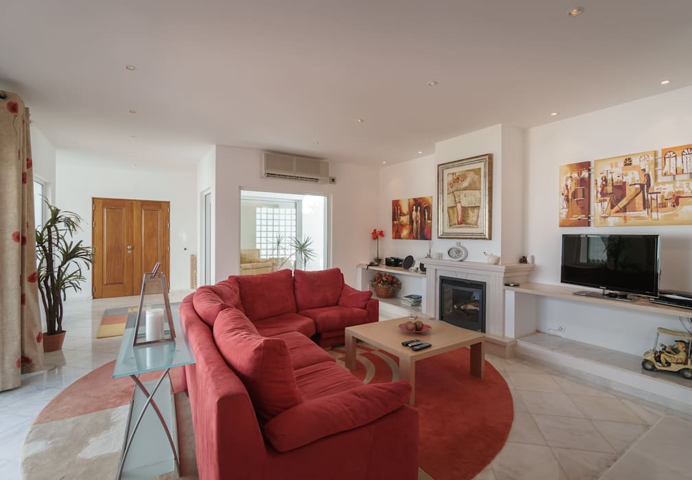Living room by Zenaida Lima Fotografia , Classic