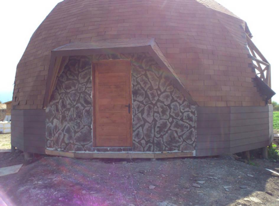 Domo geodésico: fachada Casas estilo moderno: ideas, arquitectura e imágenes de Angélica Guzmán Moderno Madera Acabado en madera