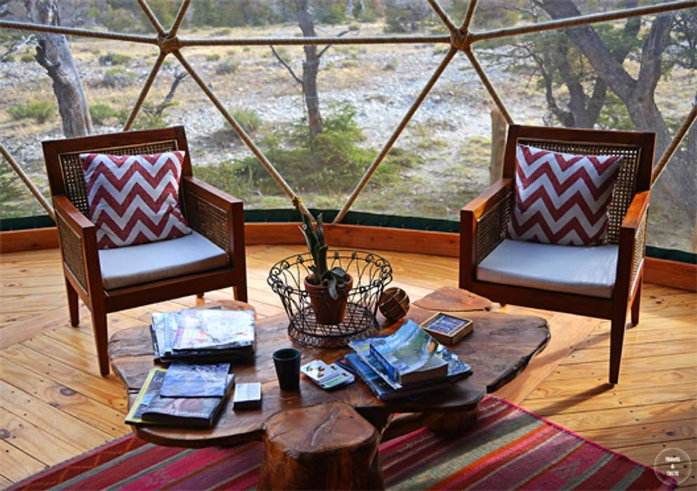 Confort y tranquilidad: Livings de estilo  por Angélica Guzmán