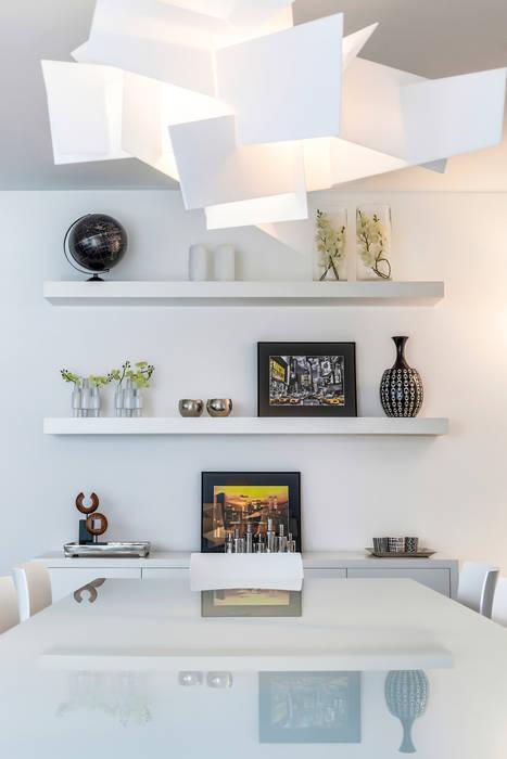 Mesa e Estantes por Jorge Cassio Dantas Lda Moderno Vidro