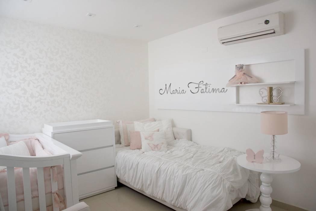 Moderne Kinderzimmer von Monica Saravia Modern Marmor