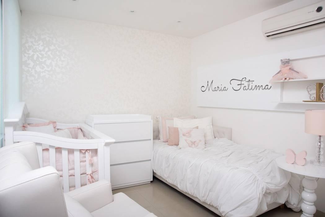 Dormitorios infantiles de estilo moderno de Monica Saravia Moderno