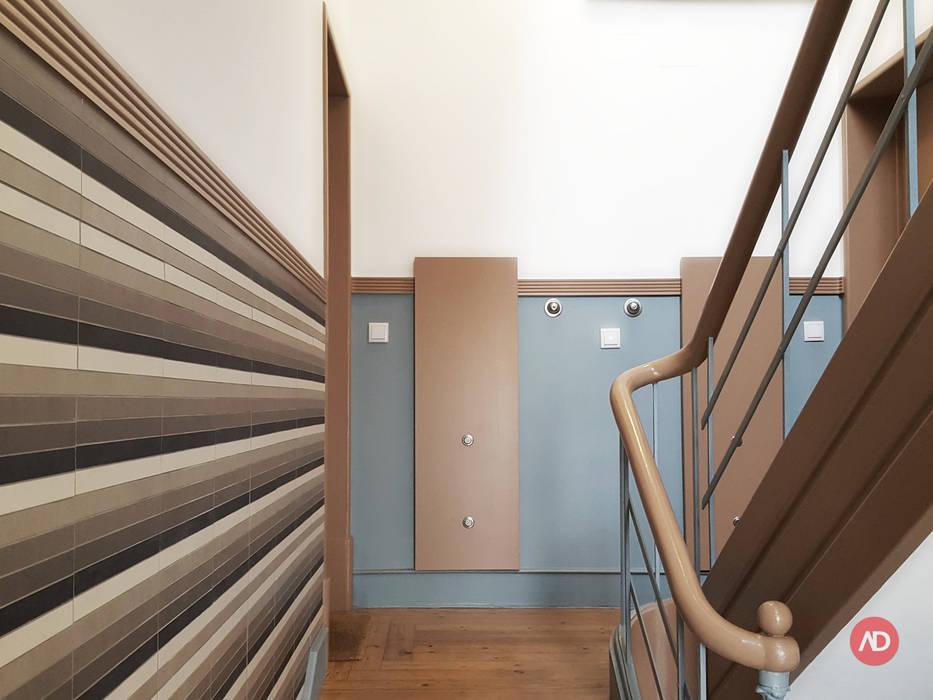 Remodelação Prédio Corredores, halls e escadas modernos por ARCHDESIGN LX Moderno