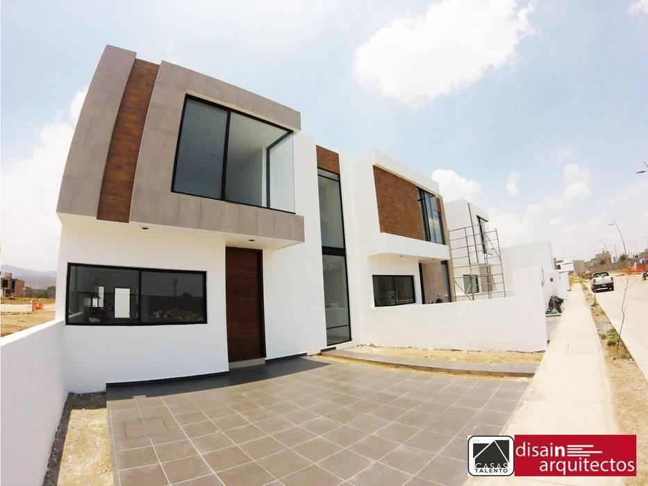Casas Talento 2N ( ENA, STIRI, BELA) Casas modernas de homify Moderno Madera Acabado en madera