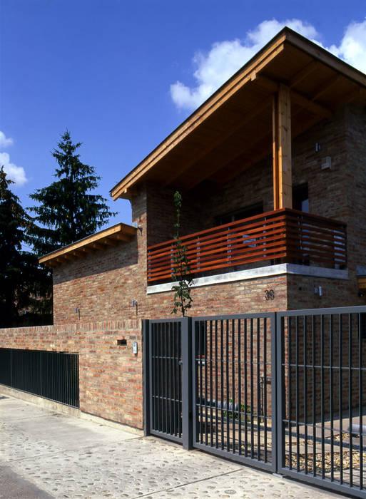 Dwelling House + Light Transmitting Concrete Földes Architects Rumah Klasik