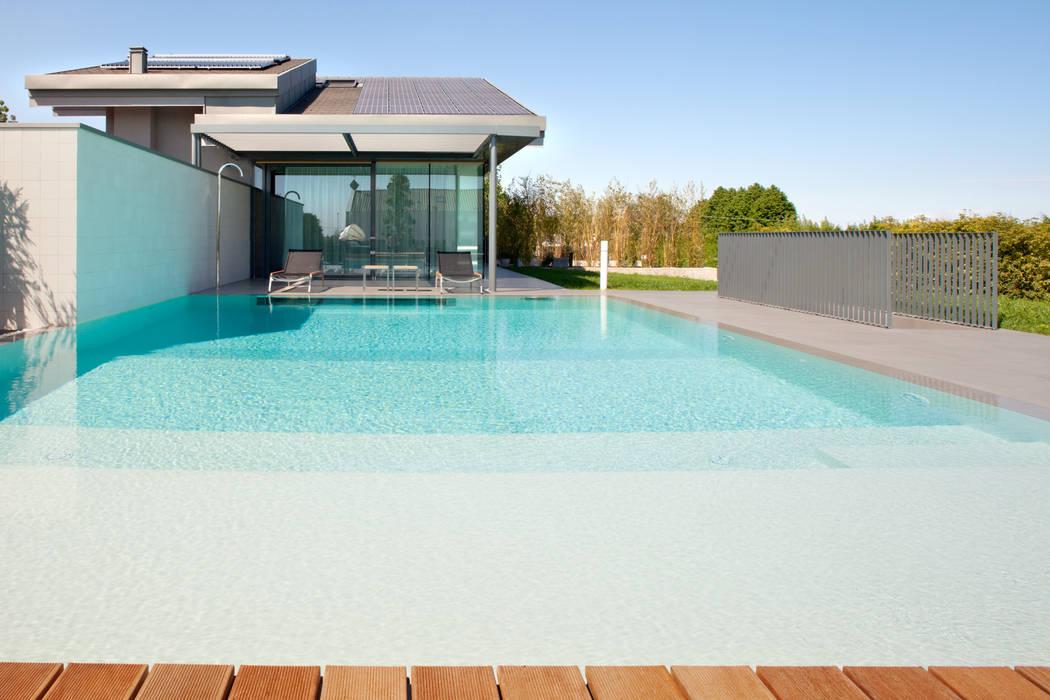 Piscinas de estilo moderno de MIDE architetti Moderno