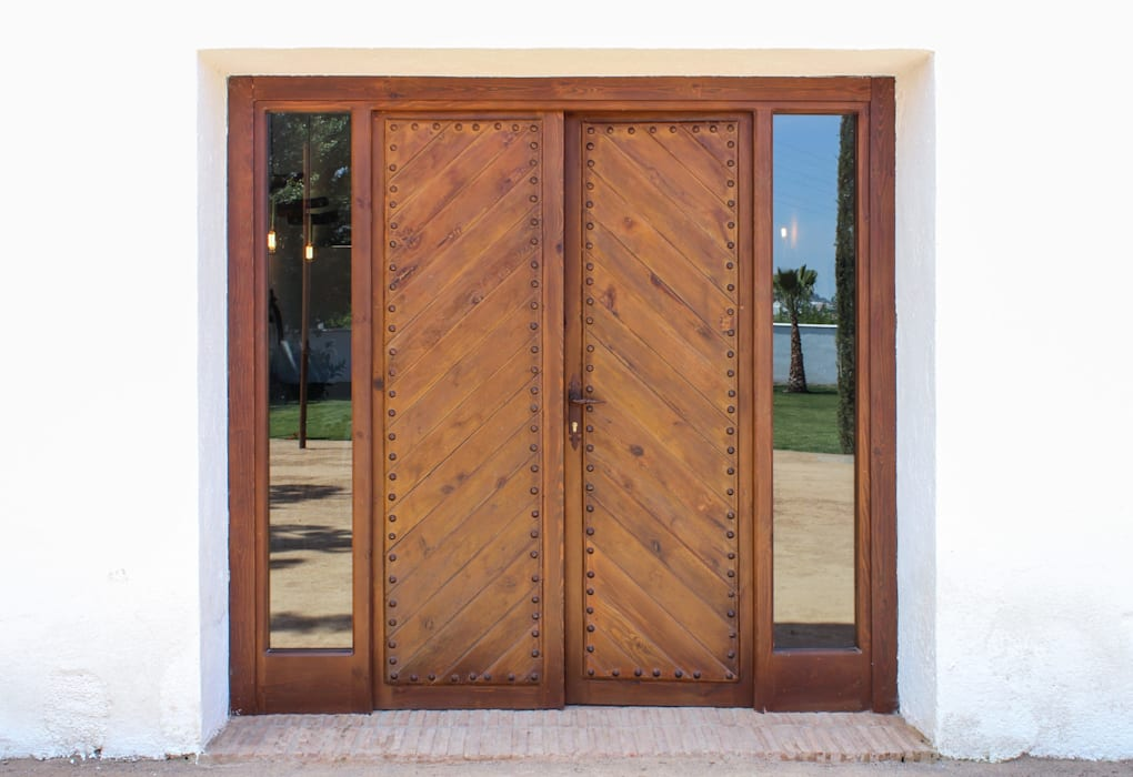 Rustic style doors by homify Rustic