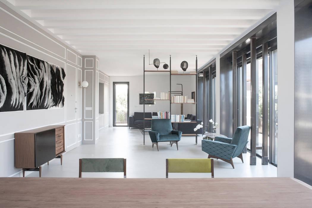 Salon minimaliste par 3C+M architettura Minimaliste