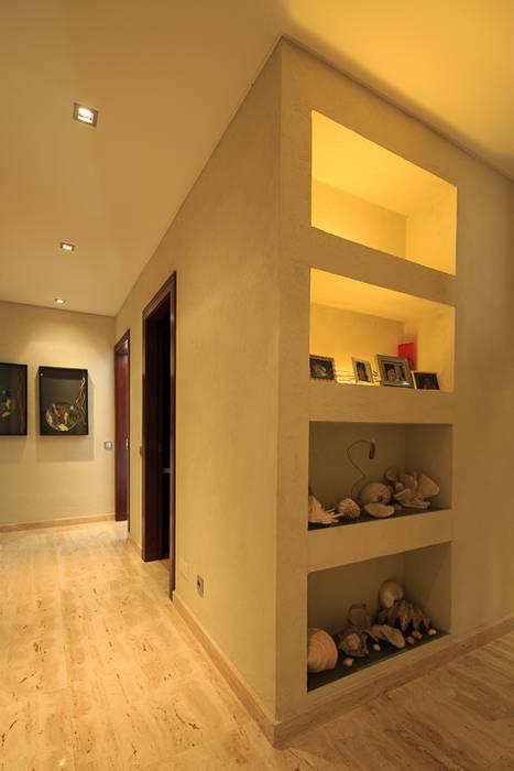 Koridor dan lorong oleh Atelier  Ana Leonor Rocha , Mediteran