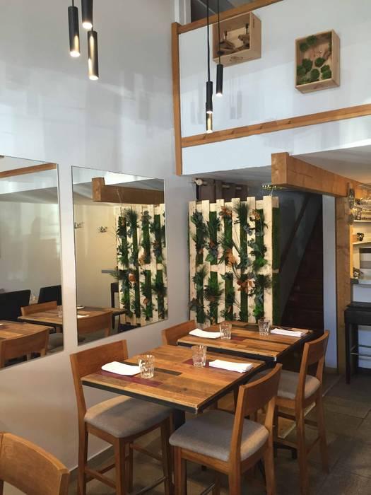 Salle de restaurant: Restaurants de style  par AMNIOS