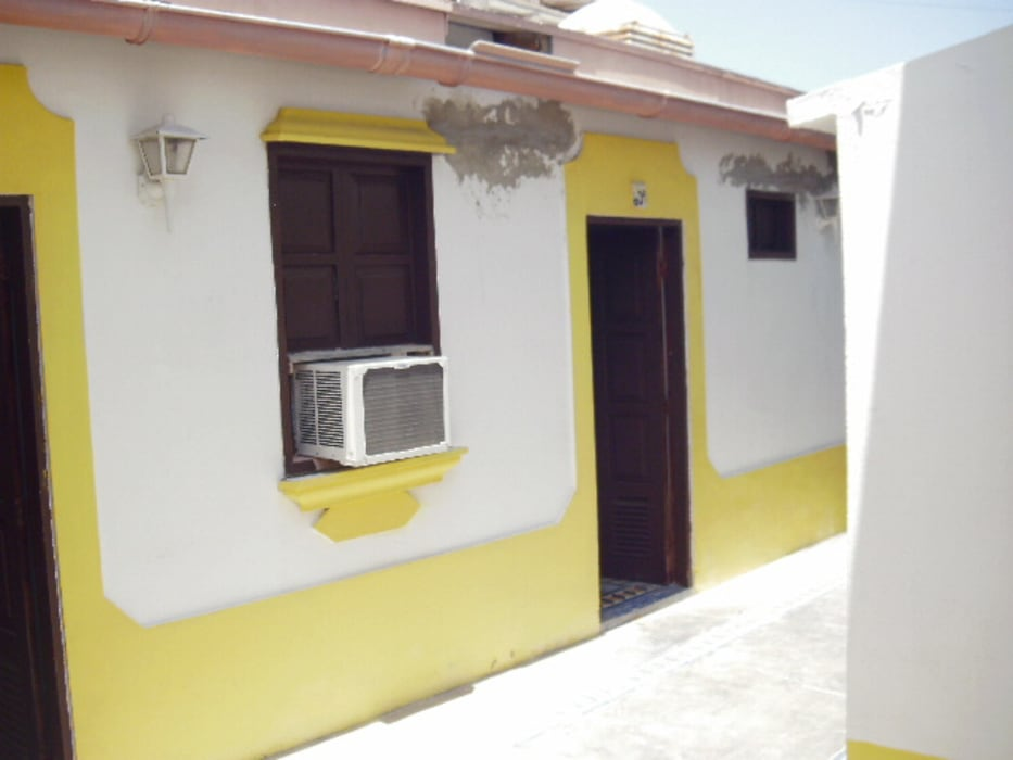 LEVANTAMIENTO Y DIGITALIZADO DE PLANOS PARA POSADAS EN LOS ROQUES: Casas de estilo  por DIBUPROY, Mediterráneo