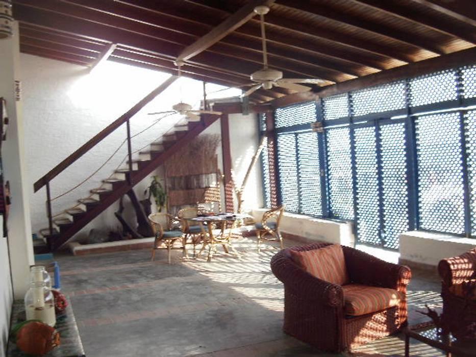 INTERIOR POSADA VISTA AL MAR: Casas de estilo  por DIBUPROY, Mediterráneo