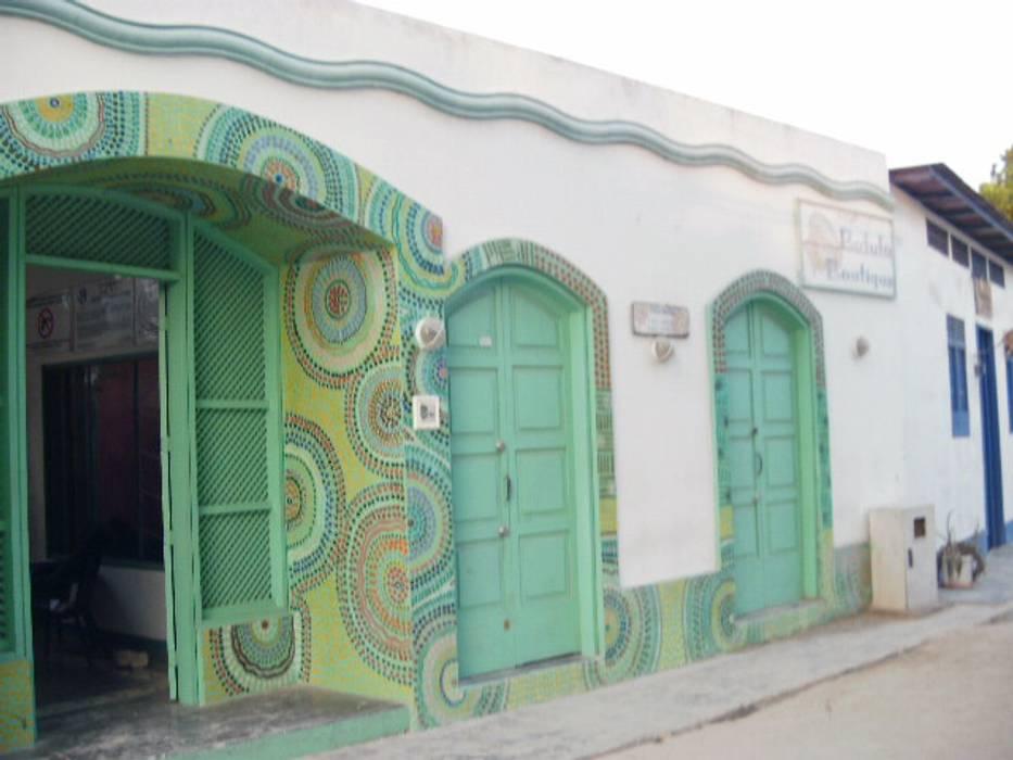 POSADA LAS PALMERAS: Casas de estilo  por DIBUPROY, Mediterráneo