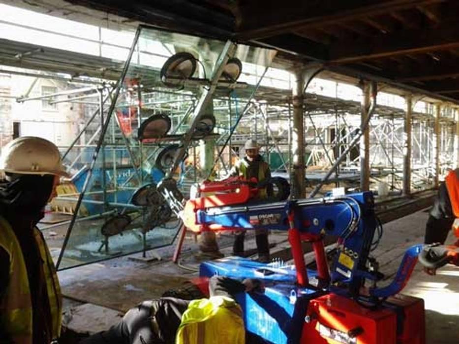 Wild Wood Pintu & Jendela Gaya Industrial Oleh Camel Glass Industrial