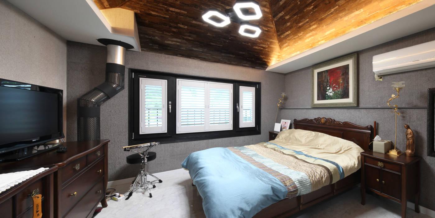 Phòng ngủ phong cách châu Á bởi 윤성하우징 Châu Á