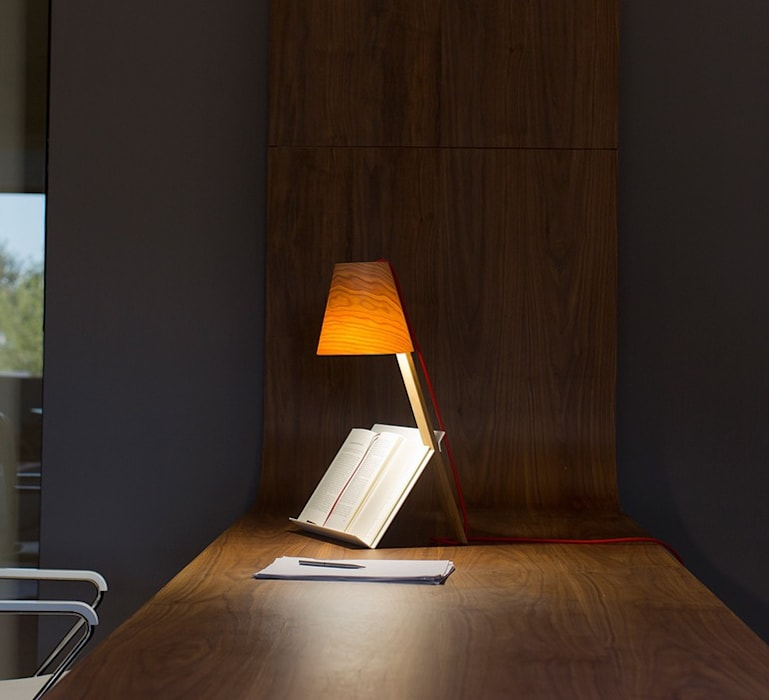 LAMPE À POSER, ASTERISCO, BOIS NATUREL DE CERISIER, H43CM - LZF: Bureaux de style  par NEDGIS