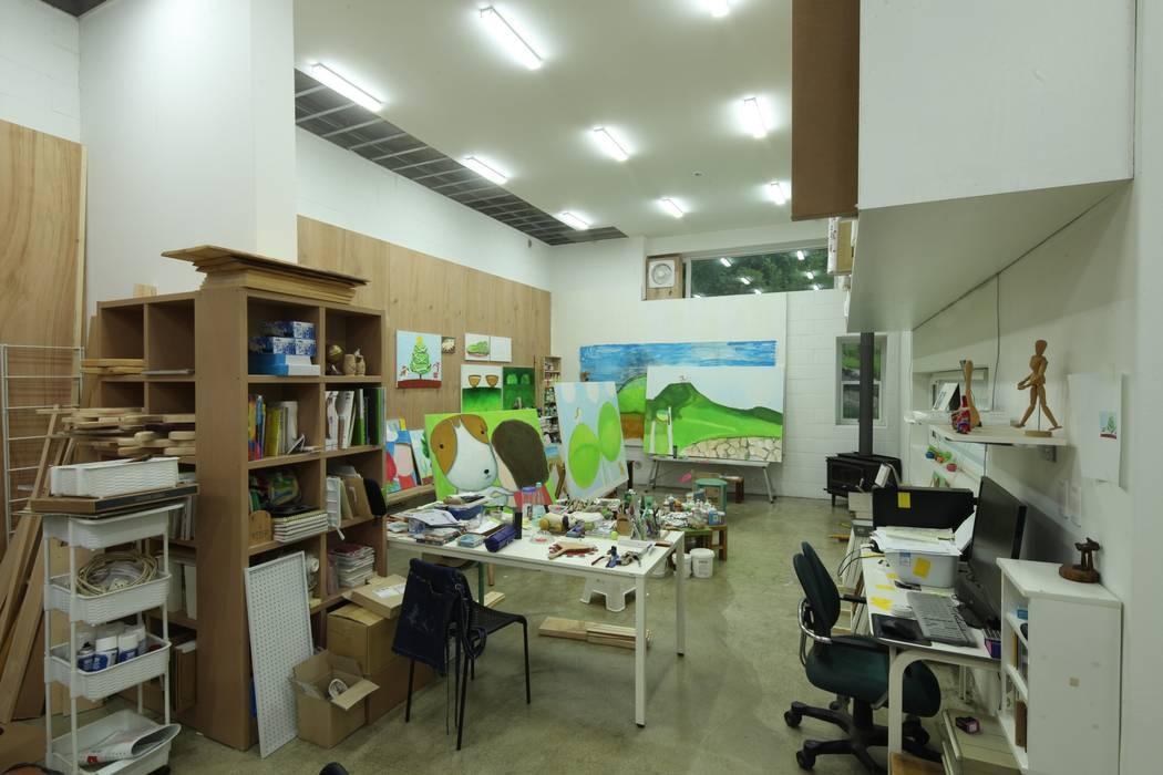 도곡리 주택 Медиа комната в стиле модерн от 위드하임 Модерн