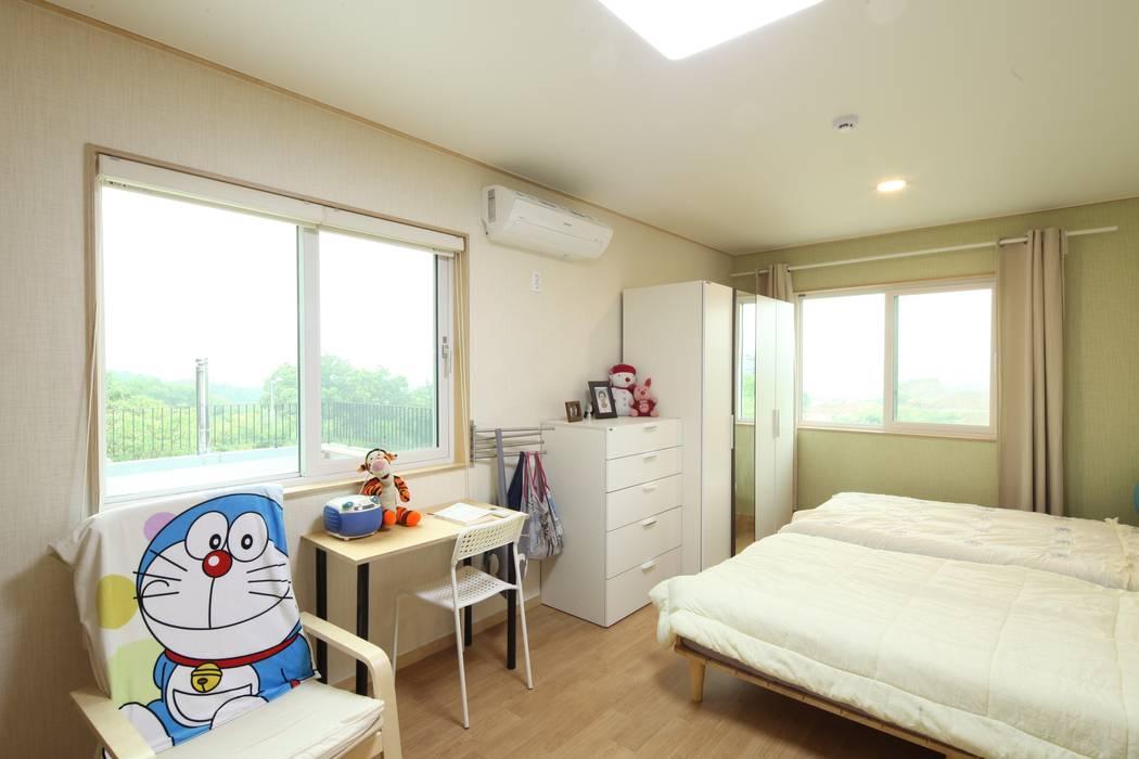 도곡리 주택 Phòng ngủ phong cách hiện đại bởi 위드하임 Hiện đại