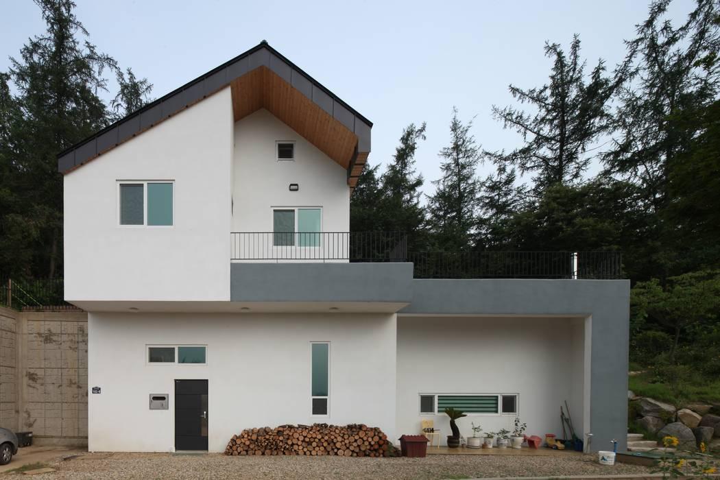 Casas de estilo  por 위드하임,