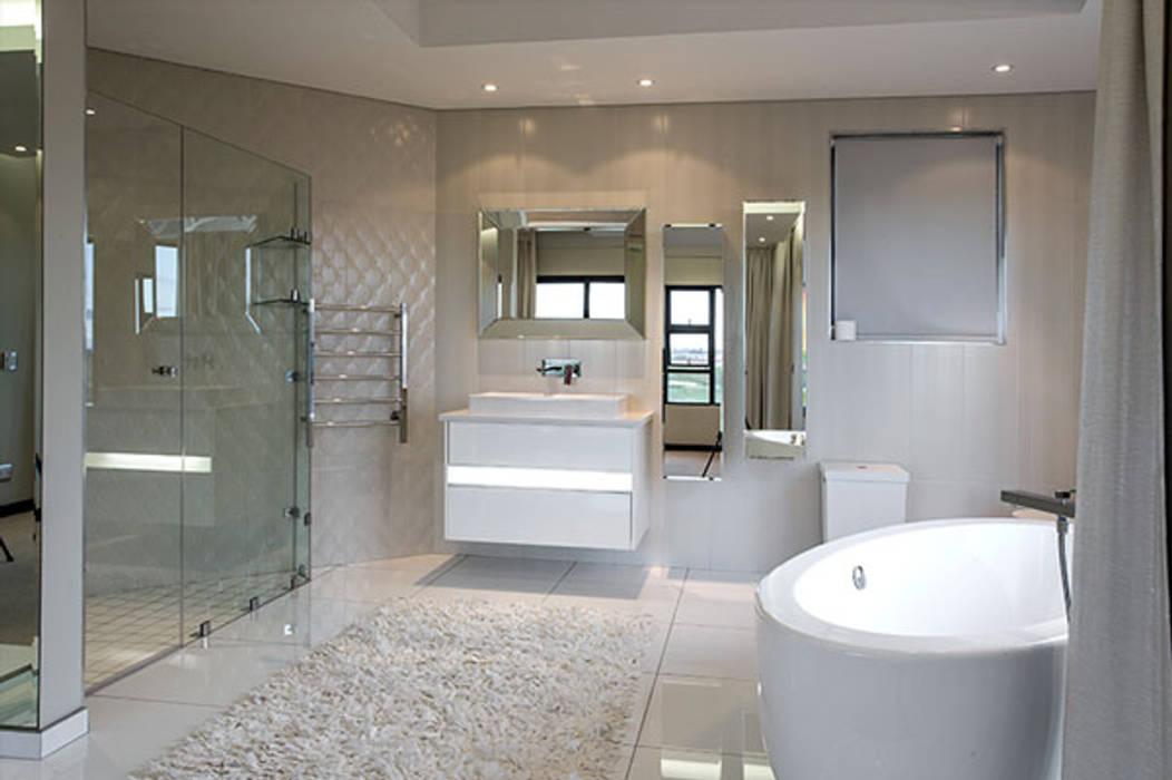 Residence Calaca FRANCOIS MARAIS ARCHITECTS Modern bathroom