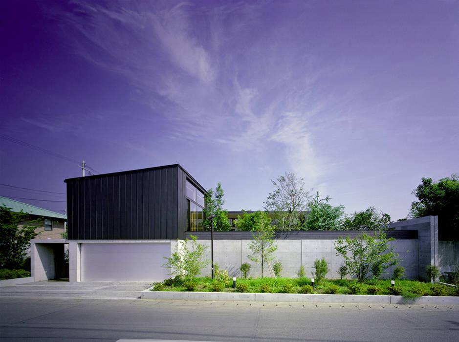 玄の家 Atelier Square モダンな 家 コンクリート 黒色