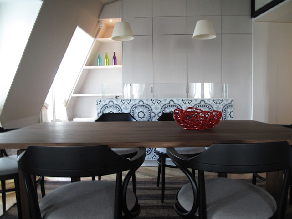 Eclectic style dining room by ALDENA Eclectic