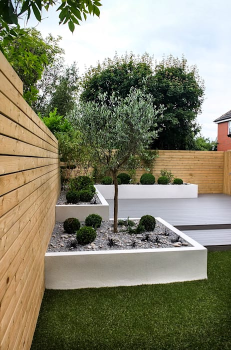 Small, low maintenance garden Minimalist style garden by Yorkshire Gardens Minimalist Wood-Plastic Composite