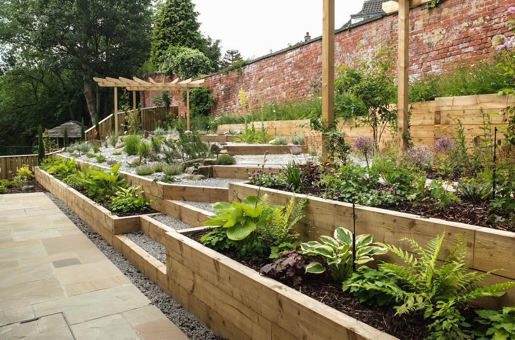 Modern Garden with a rustic twist:  Garden by Yorkshire Gardens, Modern