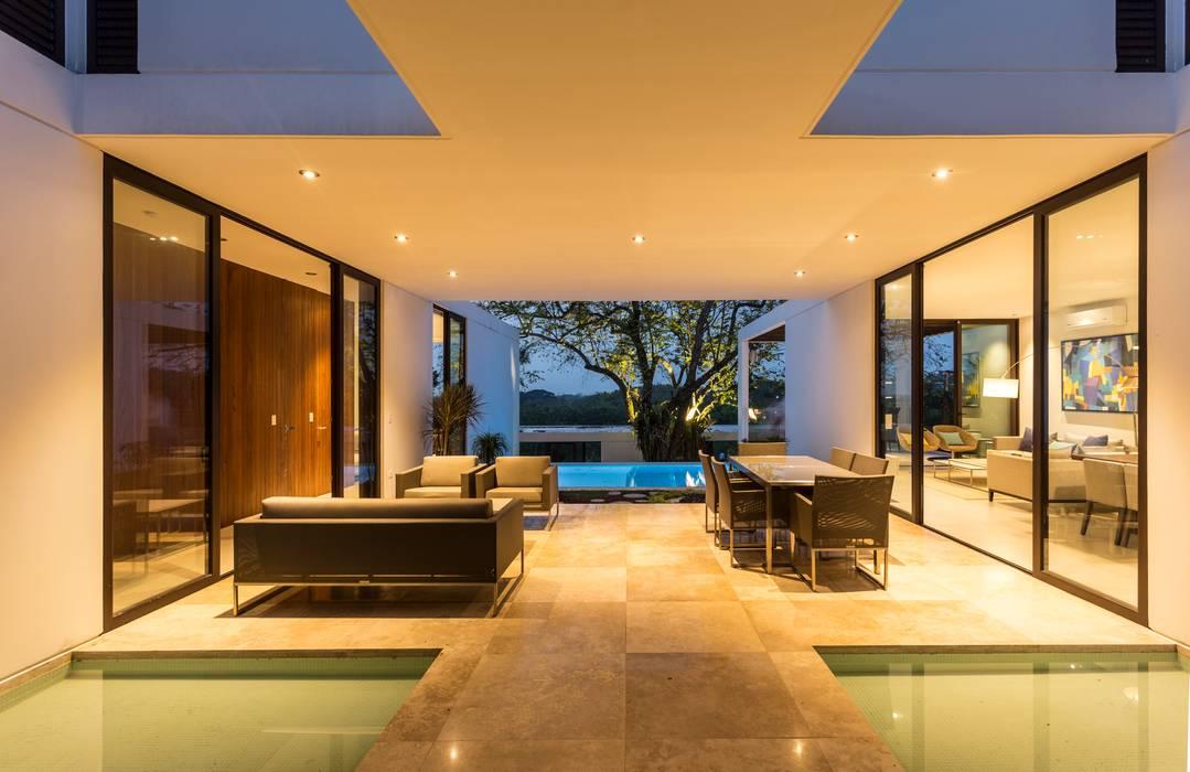 Vestíbulo Yucatan Green Design Balcones y terrazas de estilo minimalista