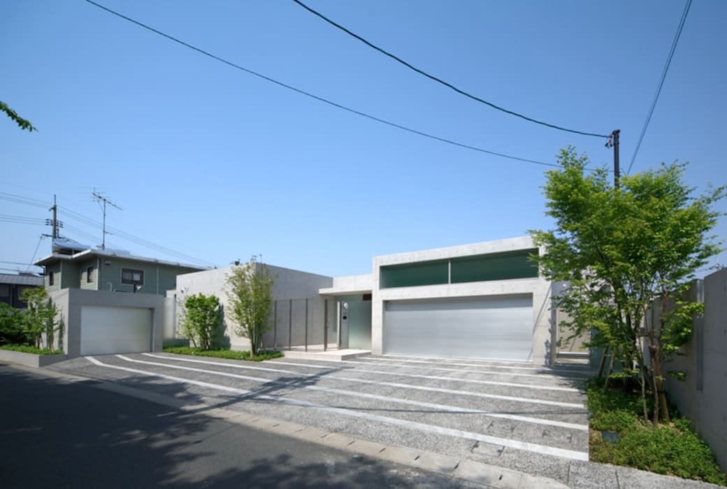 外観 Atelier Square モダンな 家 コンクリート 灰色