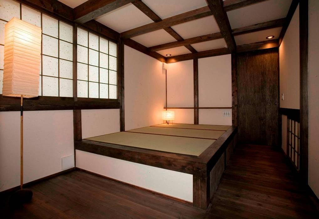 Kamar Tidur oleh 髙岡建築研究室, Asia Kayu Wood effect
