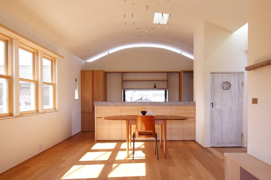 Minimalist kitchen by Mimasis Design/ミメイシス デザイン Minimalist Wood Wood effect