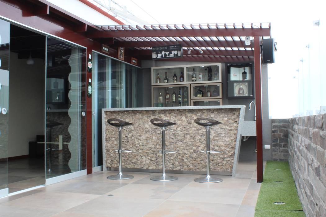 Remodelación Departamento LUHE Modern Terrace by Soluciones Técnicas y de Arquitectura Modern Stone