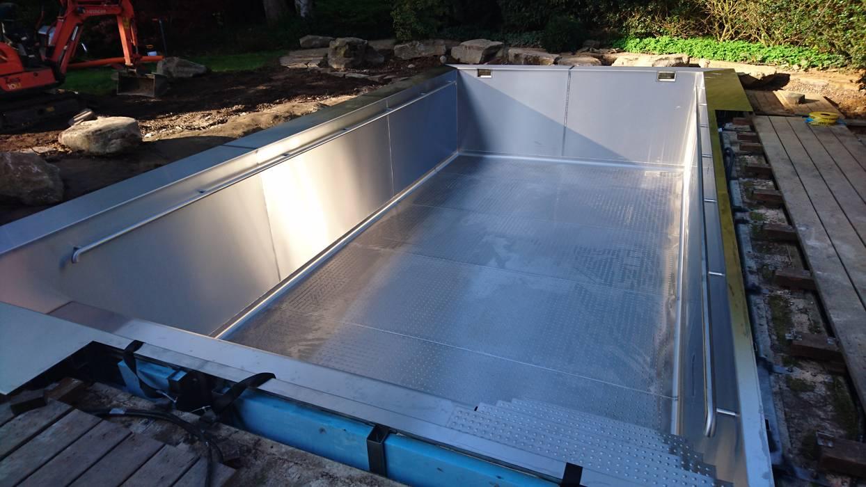 Schweißarbeiten fertig:  Pool von Hesselbach GmbH