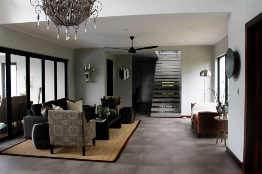 Salones de estilo clásico de Margaret Berichon Design Clásico Hormigón