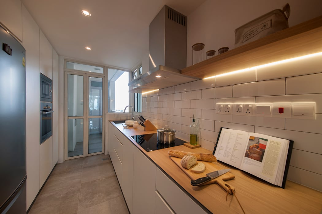 Scandinavian style kitchen by Eightytwo Pte Ltd Scandinavian