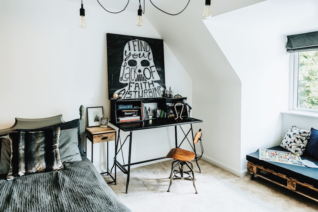 Industrial Desk Katie Malik Interiors ห้องนอน