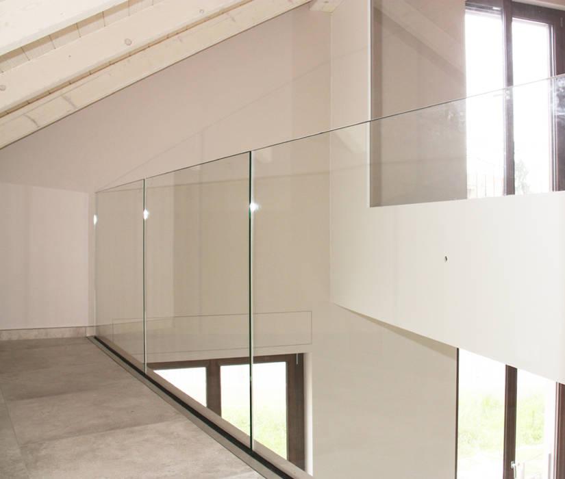 SOPPALCO : Studio in stile in stile Moderno di Fabio Ricchezza architetto