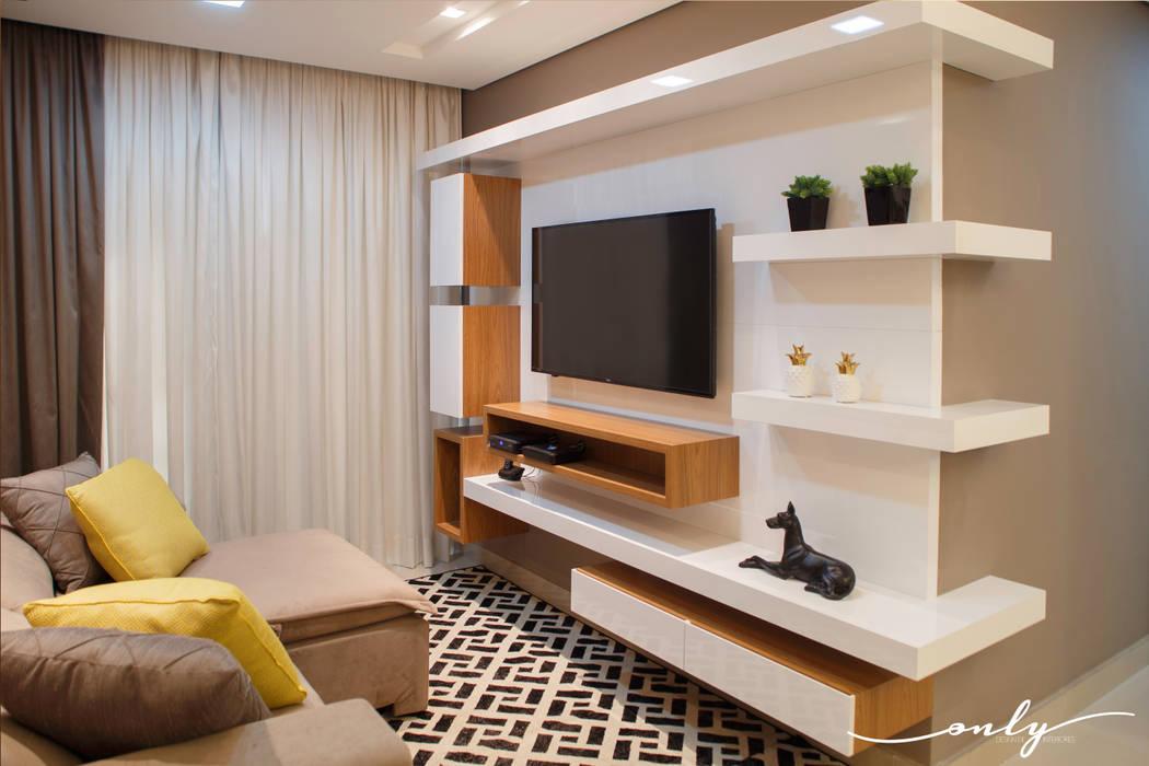 Apartamento N   H Salas multimídia modernas por Only Design de Interiores Moderno