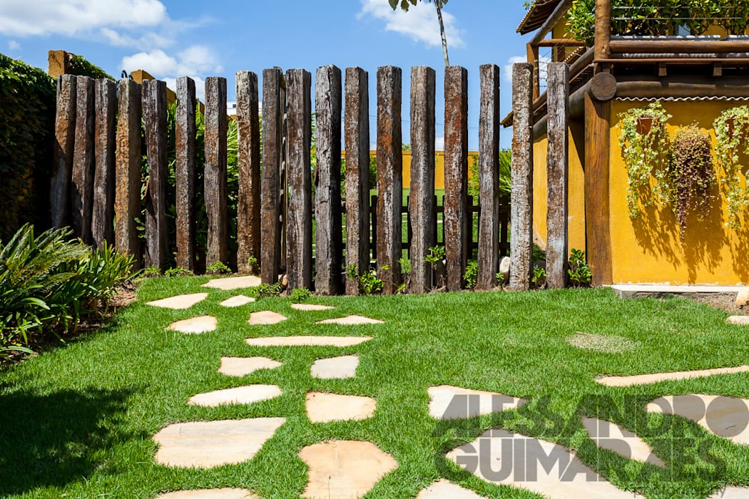 Rustic style garden by SCALI & MENDES ARQUITETURA SUSTENTAVEL Rustic