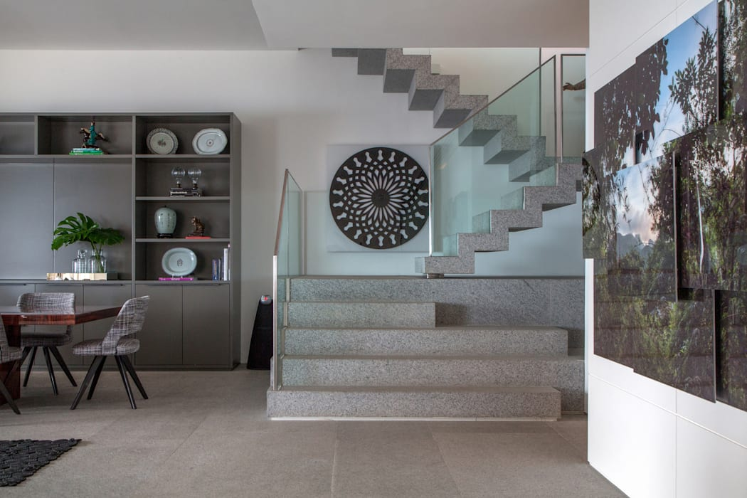 Apartamento Delta: Corredores e halls de entrada  por Gisele Taranto Arquitetura,