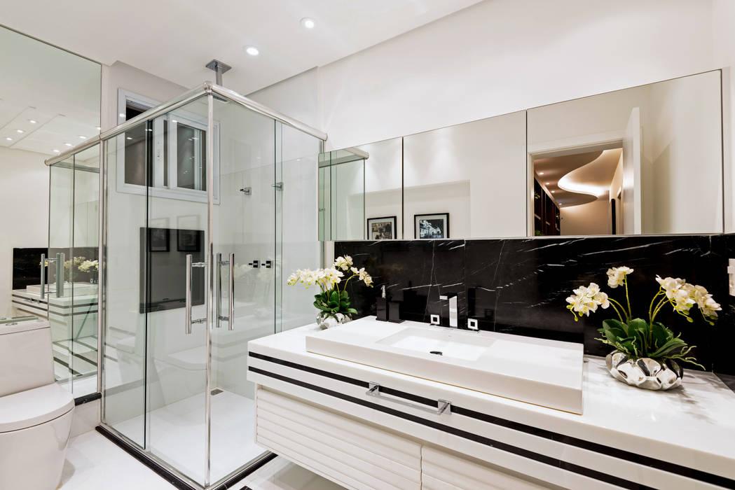 Casa Villa Banheiros modernos por Designer de Interiores e Paisagista Iara Kílaris Moderno Mármore