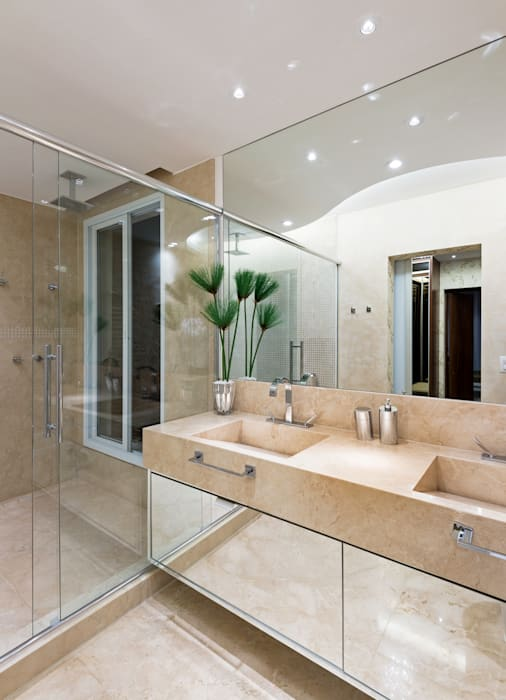 Salle de bain moderne par Designer de Interiores e Paisagista Iara Kílaris Moderne Marbre